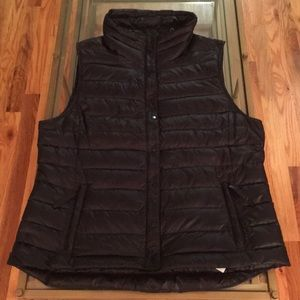 GAP Full Zip Packable Down Vest